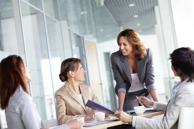 Women in Executive Roles: Breaking The Corporate Glass Ceiling